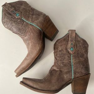 Corral brown ankle boots! Size 6 M!